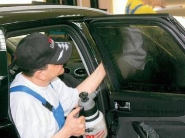 Учимся тонировать стекла авто самостоятельно