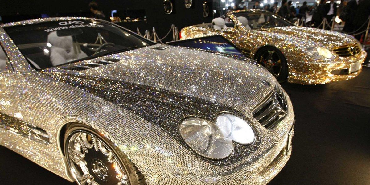 Как украсить автомобиль кристаллами Swarovski