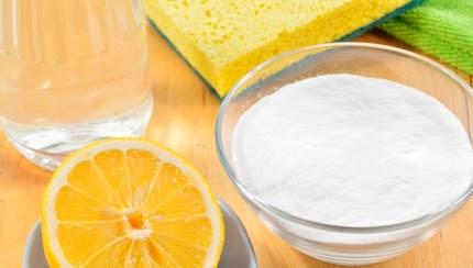 Смесь крахмала с лимонным соком для внутренней стороны стекла